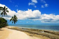 Makaha& x27岸; 在汤加塔布岛海岛附近的一个海岛在汤加 库存照片