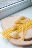 Makaron i spaghetti uncooked Obrazy Stock