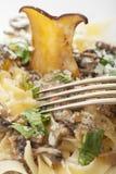 Makaron z pieczarkowym kumberlandem Zdjęcie Royalty Free