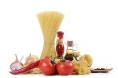 Makaron z pikantność i warzywami fotografia stock