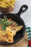 Makaron z serem i chorizo homemade obrazy stock