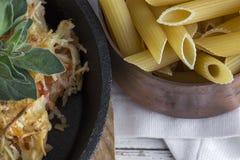 Makaron z serem i chorizo homemade zdjęcie stock