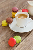 Makarons en koffie Royalty-vrije Stock Foto