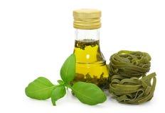 makaronu basila świeży olive tagliatelle oleju Fotografia Royalty Free