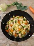 Makaronu garnek z warzywami Zdjęcie Royalty Free