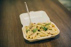 Makaronu i spaghetti dostawy świeża paczka Fast Food restauracja zdjęcie royalty free