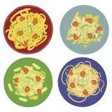 Makaronu pesto z spaghetti, penne, tagliatelle i fisilli na barwionych talerzach, royalty ilustracja