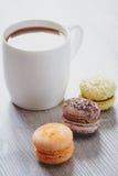 Makaroons и какао Стоковое фото RF