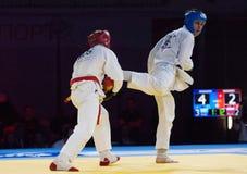 Makarov V (Vermelho) contra Mukashev U Fotos de Stock Royalty Free