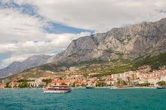 makarska,克罗地亚美丽如画的达尔马希亚风景  免版税库存照片