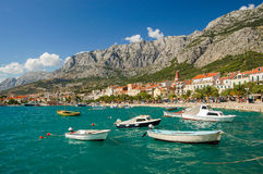 makarska,克罗地亚美丽如画的达尔马希亚风景  库存照片