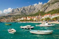 makarska,克罗地亚美丽如画的达尔马希亚风景  免版税库存图片