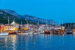 Makarska τή νύχτα Στοκ Εικόνες