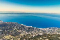 Makarska Ривьера от Biokovo Гор-Хорватии стоковое фото