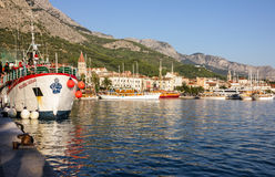 MAKARSKA, CROATIA - AUG 23, 2016: Sea port if Makarska resort Royalty Free Stock Photos