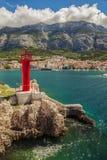 Makarska czerwieni latarnia morska zdjęcia stock