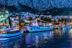 Makarska na noite Imagem de Stock Royalty Free