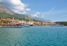 Makarska Stadt, Makarska Riviera, Dalmatien, Kroatien Lizenzfreie Stockfotografie