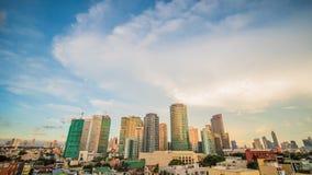 Makati är en stad i den Filippinerna tunnelbanaManila regionen och det finansiella navet för land s Det s som är bekant för skysk royaltyfri bild