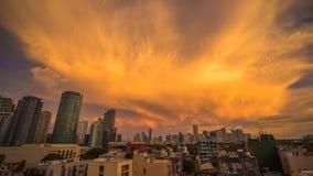 Makati город в области Манилы метро Филиппин и эпицентре деятельности страны s финансовом Оно s известный для небоскребов Стоковое фото RF