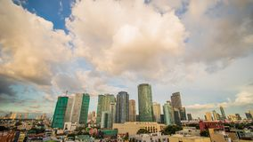 Makati is een stad in het Metro van Filippijnen gebied van Manilla en de financiële hub van het land s Het s voor de wolkenkrabbe Royalty-vrije Stock Foto