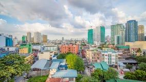 Makati es una ciudad en la región de Manila del metro de Filipinas y el eje financiero del país s Él s sabido para los rascacielo almacen de metraje de vídeo