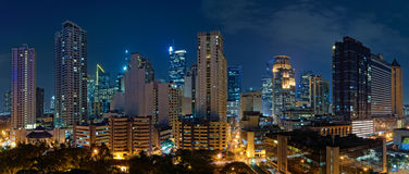 Makati, Manilla (Filippijnen) bij nacht Royalty-vrije Stock Afbeeldingen