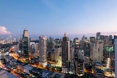 Makati stadshorisont, Manila - Filippinerna royaltyfria foton