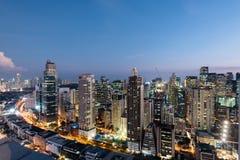 Makati-Stadt-Skyline, Manila - Philippinen stockfotografie