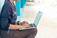 Make a note of the laptop Royalty Free Stock Photography