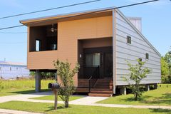 Katrina Reconstruction New Home in New Orleans, LA. This house is one of the sustainable Make It Right replacement homes built in New Orleans' Lower 9th stock photos