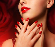 Make-up en manicure Royalty-vrije Stock Afbeeldingen