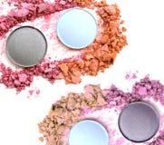 Make up esmagou o isolado do pó Fotografia de Stock