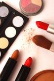 Make-up, schoonheidsmiddelen en borstels stock fotografie
