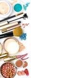 Make-upbürste und -kosmetik, stockfotografie