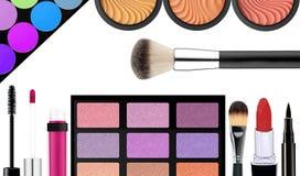 Make-upbürste und -kosmetik, auf einem Weiß lokalisiert, mit Lizenzfreie Stockbilder