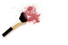 Make-upborstel en rouge stock afbeelding