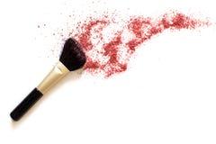 Make-upborstel en rouge royalty-vrije stock afbeeldingen