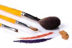 Make-upborstel met poeder Stock Fotografie