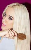 Make-upfreier raum s des geraden Haares des blonden Mädchens des Porträts langer schöner Stockfoto