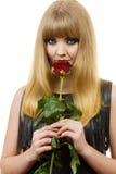 Make-upgriffe des Mädchens der Frau rosafarbene Blume der herrlichen dunklen Stockfoto