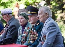 Makeevka, Ucrânia - maio, 7, 2014: Veteranos do durin da segunda guerra mundial Fotos de Stock Royalty Free