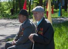 Makeevka, Ukraine - Mai, 7, 2014: Veterane von durin des Zweiten Weltkrieges Lizenzfreies Stockbild