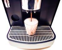 Makend de Chocoladekoffie van de drankmachine melken en hete melk Stock Foto