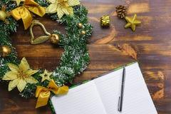 Makend plannen voor vlakke Kerstmis en Nieuwjaar leggen royalty-vrije stock afbeeldingen