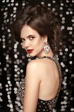 makeup κόσμημα μόδας, όμορφη γυναίκα στο διακοσμημένο με χάντρες φόρεμα, elega Στοκ φωτογραφία με δικαίωμα ελεύθερης χρήσης