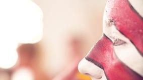 Makeup artysta wyciera twarz model zdjęcie wideo