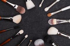 Makeup muśnięcia tworzy okrąg themselves obraz stock