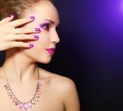 Makeup och manicure royaltyfria bilder