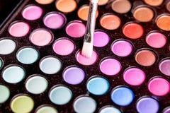 Makeup paleta z makeup muśnięciem Zdjęcia Royalty Free